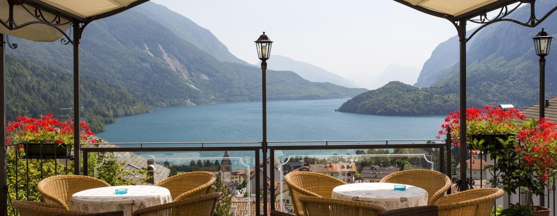 terrazza hotel con vista panoramica